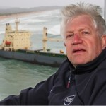 Minister Alan Winde visits the oil spill site in Goukamma/Buffelsbay