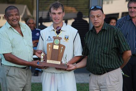 Mr Jonathan Carelse (SWD Schools Cricket Chairperson), Brendon Olivier (Langenhoven Gymnasium Captain), Francois Visagie (SWD Schools Cricket Treasurer).