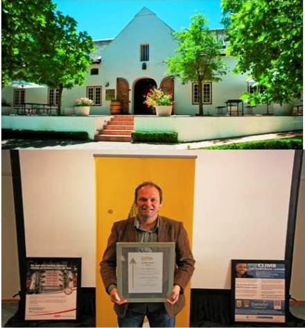 Winemaker, Wynand Lategan with the award from PMR.Africa