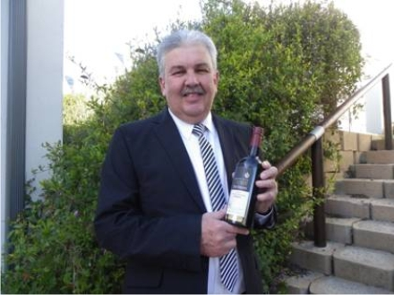 Winemaker, Boets Nel with the popular port.