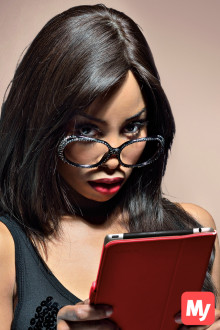 Socialite and television personality Khanyi Mbau keeps up to date with the latest fashion trends using the new MyEdit content aggregation app