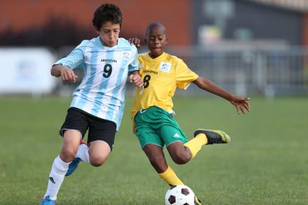Sandile Mhlaba (SA) vs Argentina