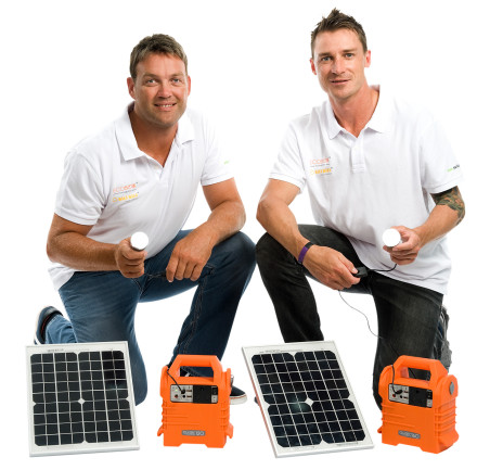 Jacques Kallis and Dale Steyn, with EcoBoxx product