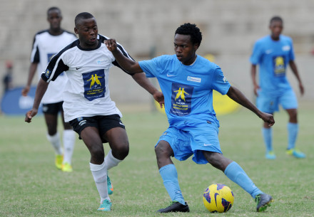 Clapham [Blue] and HTS Louis Botha contested the 2013 final