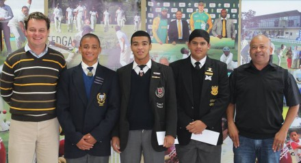 The three recipients are Jean Heunis (Langenhoven Gymnasium – Warriors Cubs and SWD U/19), Eldin Rossouw (Outshoorn High School – SWD U/17) and Levin Muller (Outeniqua High School – SWD u/15).  Also present at the handing-over ceremony were Albertus Kennedy (left), CEO SWD Cricket,  and Johan Weyers (right), Amateur Manager SWD Cricket.
