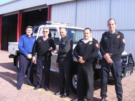 During the handing over of the new vehicle, fltr: Gerhard Otto, Eden DM Manager: Emergency Services, Clive Lawrence, Representative from Protea Toyota, Godfrey Louw, Eden DM Municipal Manager, Deon Van Wyk, Acting Chief Fire Officer and Wayne Young, George Station Officer.
