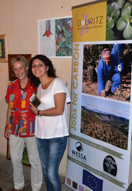 Wendy Crane welcomes Natalija Dolya to Vanwyksdorp (credit: S du Toit)