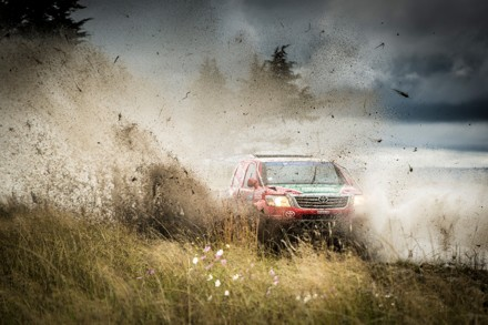 Leeroy Poulter and Rob Howie: maiden victory in trying conditions. Picture: QuickPic