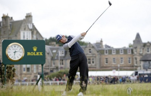 South Africa's Louis Oosthuizen plays from the 2nd tee during his third round, on day four of the 2015 British Open Golf Championship on The Old Course at St Andrews in Scotland, on July 19, 2015.   Photo: AFP PHOTO / ADRIAN DENNIS