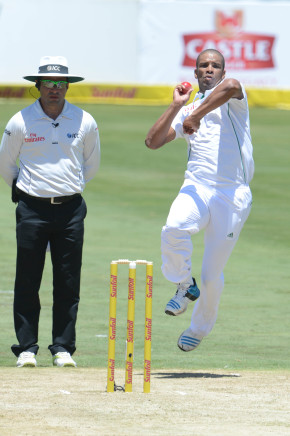 PRETORIA, SOUTH AFRICA - FEBRUARY 12: Vernon Philander of South Africa during day 1 of the 1st Test match between South Africa and Australia at SuperSport Park on February 12, 2014 in Pretoria, South Africa. (Photo by Lee Warren/Gallo Images)