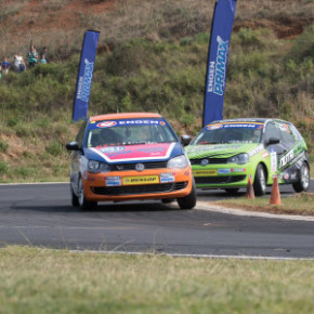Action at the Dezzi raceway: tough task for competitors. {Picture: Motorpress