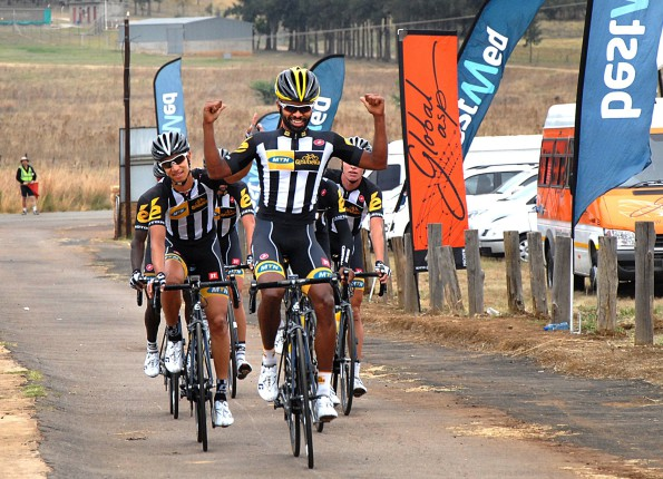 Meron Teshome celebrates his farewell victory for the MTN-Qhubeka feeder team at the Bestmed Satellite Classic, presented by ASG, on Saturday. Photo: Jetline Action Photo