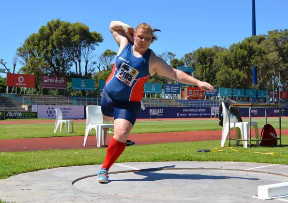 Ischke Senekal, 22, won the senior women shot put and discus events at Saturday's Madibaz EPA athletics meet. Photo: Full Stop Communications