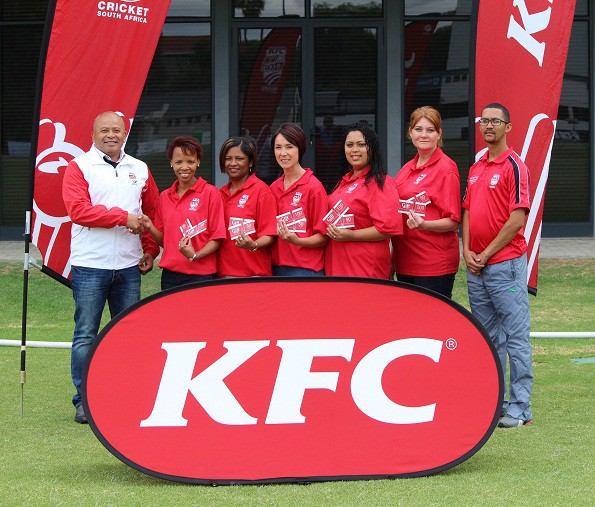 Felicity Prins (2nd from left) , the coordinator of the Oudtshoorn region, received the award from  Johan Weyers (Manager Amateur Cricket), Other members of the committee are Margie Claassen, Margot Vermaak, Patricia Jordaan and Erica Kennedy.  On the right is Gary Moos (SWD Mini Cricket Coordinator)