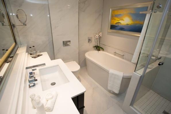 Sandton Sun Bathroom
