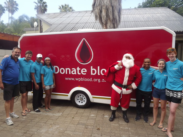 Guests and staff of the ATKV Resorts donated blood and will be possibly be saving roughly 1 7691 lives. Pieter Du Toit (Resort Manager); Jean-Jacques Palm; Thaabit Ismail; Micaela Apollis; Earl Daniels (Father Christmas); Gerswin de Villiers; Mareli Taylor; Jean-Moné Palm