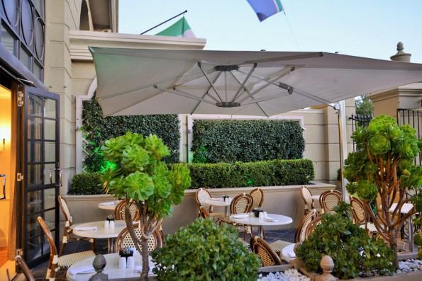 Cafe Royale patio 1