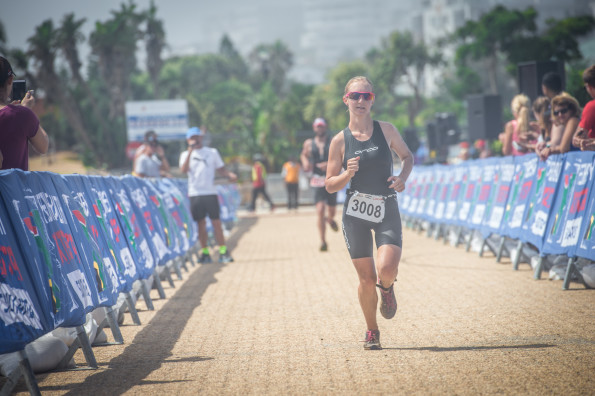 Michael Ferreira and Natia Van Heerden claimed gold at the Fedhealth XTERRA Lite Nelson Mandela Bay that took place at Kinds Beach on Sunday, 31 January 2016.  Seen here:  Natia Van Heerden in action on the day.  Photo Credit:  Tobias Ginsberg