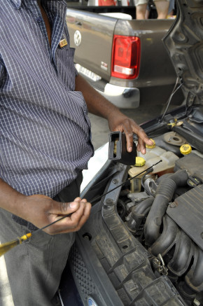 Don't be fleeced by unscrupulous technicians when you service your car. Picture: Quickpic