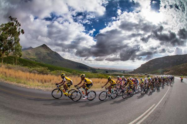 The peloton led by MTN-Qhubeka's feeder team during last year's Bestmed Tour of Good Hope. Photo: Capcha
