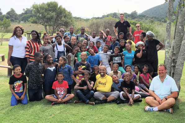 The group of learners from Touwsranten Laerskool shortly after they enjoyed a fun-filled day with the Lunchbox Theatre Group, SANParks and Vernon Gibbs-Halls, Specialist: Environmental Management, Eden DM (front, right)