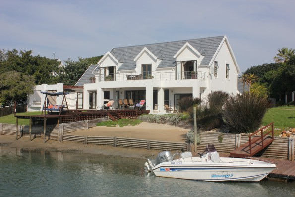 St Francis Bay sold by PGP for R5.75m