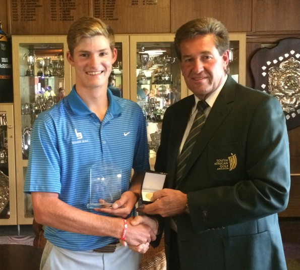 North & South Championship winner Bradley de Beer with Free State president Tinus Venter; credit SAGA