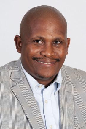 Thando Mbili