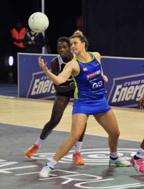 Lenize Potgieter of the Jaguars evades challenge from Bongiwe Msomi of the Kingdom Stars during the 2016 Brutal Fruit Netball Premier League match between Jaguars and Kingdom Stars at the Ellis Park Arena in Johannesburg, South Africa on May 14, 2016 ©Chris Ricco/BackpagePix