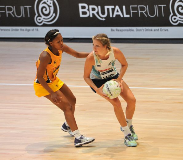 Tanya Mostert of the Crinums challenged by Cleopatra Kgopotso of the Fireballs during the 2016 Brutal Fruit Netball Premier League match between Crinums and Golden Fireballs at Olive Convention Centre, Durban in Kwa-Zulu Natal South Africa on 21 May, 2016 ©Muzi Ntombela/BackpagePix