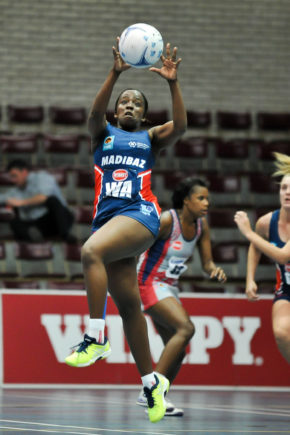 SPAR Madibaz-NMMU player Sanelse Mgijimi controls possession in their Varsity Netball match against Free State University. Photo: Saspa