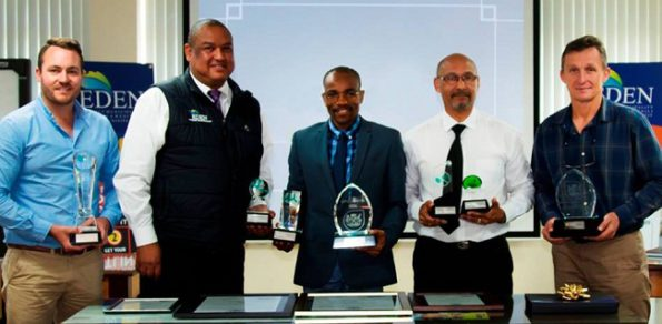 During the press conference, fltr: Mr Johan Gie (District Waste Management Officer), Mr Clive Africa (Executive Manager: Community Services), Cllr Memory Booysen (Eden DM Executive Mayor), Mr Godfrey Louw (Municipal Manager) and Mr Johan Compion (Manager: Municipal Health & Environmental Services) with the awards won at the annual Greenest Local Municipality Awards ceremony