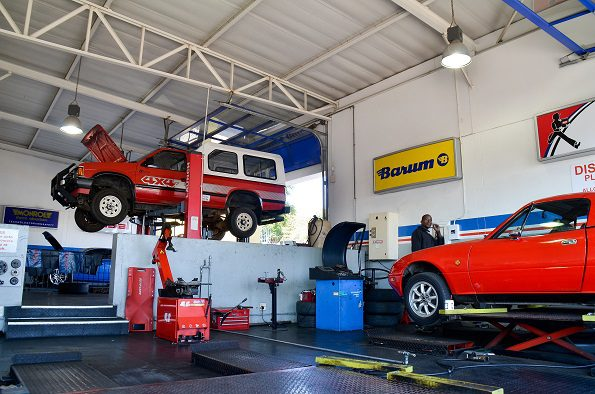 The workshop: Service plans are good tools to keep customers happy. Picture: Quickpic